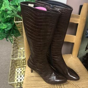 Like New Impo Stretch Heeled Boots